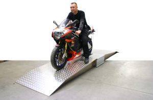 BM1010 bremseprøvestand med motorcykel